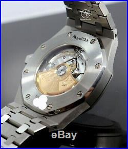 Audemars Piguet Royal Oak 41mm Black Dial Watch 15400ST. OO. 1220ST. 01 PAPERS Mint